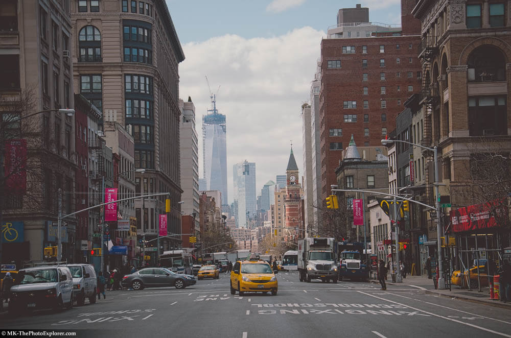Sep 24, · Sixth Avenue is a very scenic Avenue. There are plenty of tall buildings, restaurants, stores, Radio City, Rockefeller Center, Bryant Park, hotels, etc. Very walkable during off hours.4/4(29).